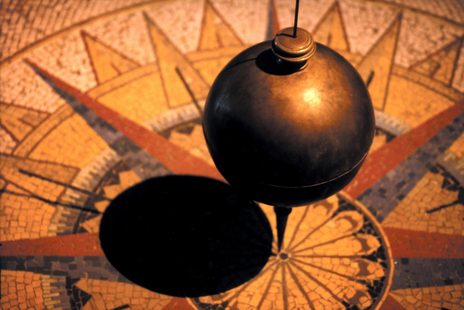 pendulum-828641_1920